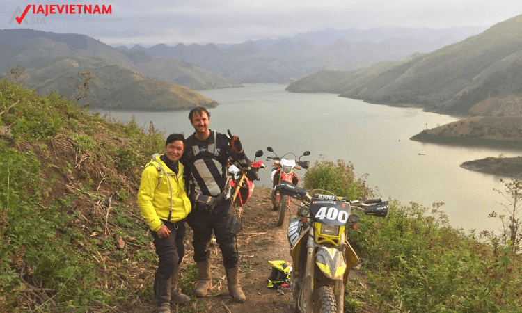 excursion-en-moto-al-norte-de-vietnam-11-dias-10