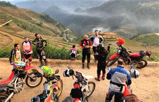 Excursión en moto desde Hanoi hasta Halong - 10 días cover