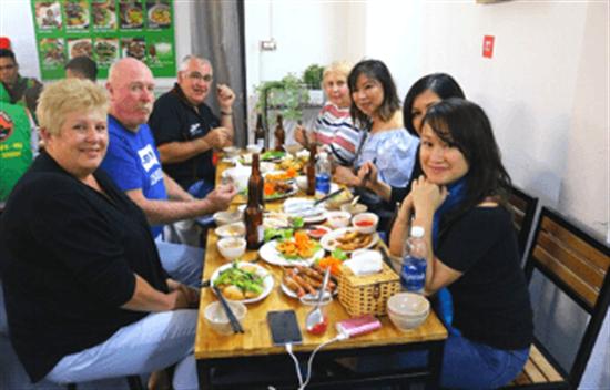 Tour de comida callejera de Hanoi cover