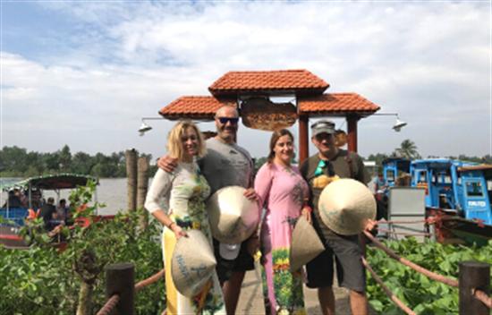Tour Saigon a Cu Chi y Templo de Cao Dai cover