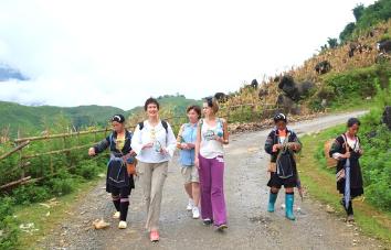 Tour trekking a pueblos tribales en Ha Giang Vietnam - 14 días