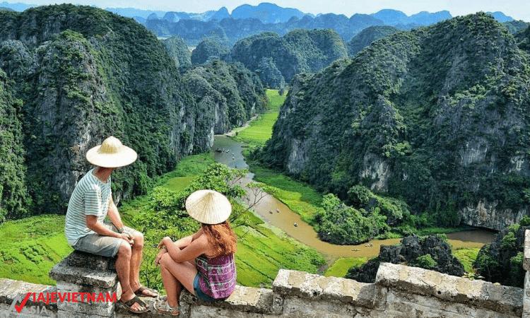 Recorrido de día completo a Hoa Lu y Tam Coc desde Hanói