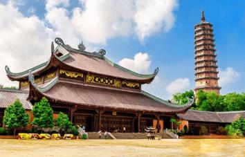 Zona ecológica Trang An y Templo Bai Dinh tour de día completo